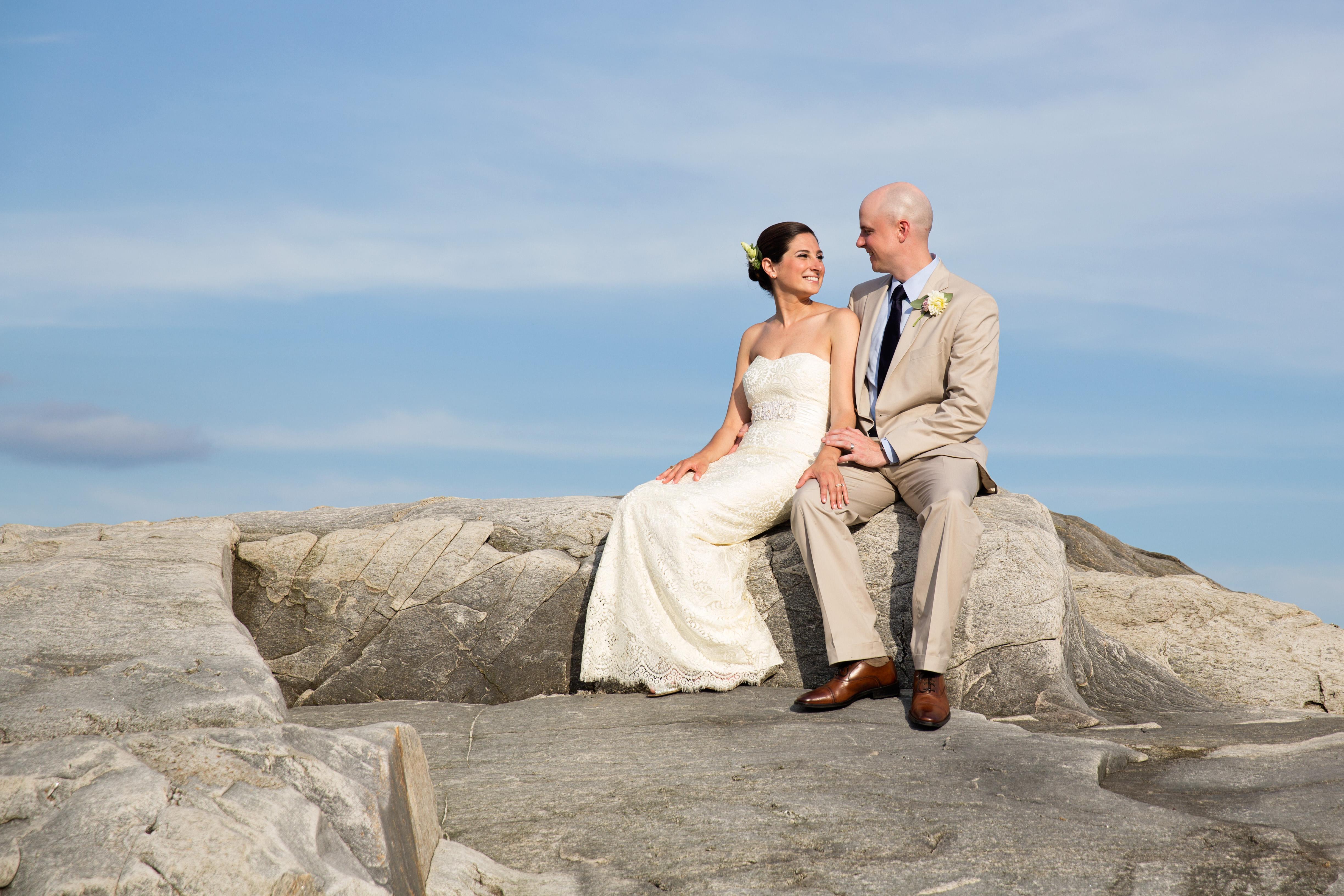 Jessie and Chris\' Peaks Island Wedding | The Harbor View at Jones ...