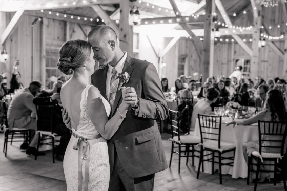 granite-ridge-estate-and-barn-wedding-andy-and-ann-marie-first-dance