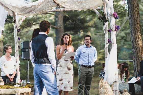 hannahandzak-camp-kieve-wedding-ceremony-speaker