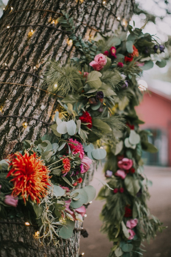 kingley-pines-wedding-ceremony-floral