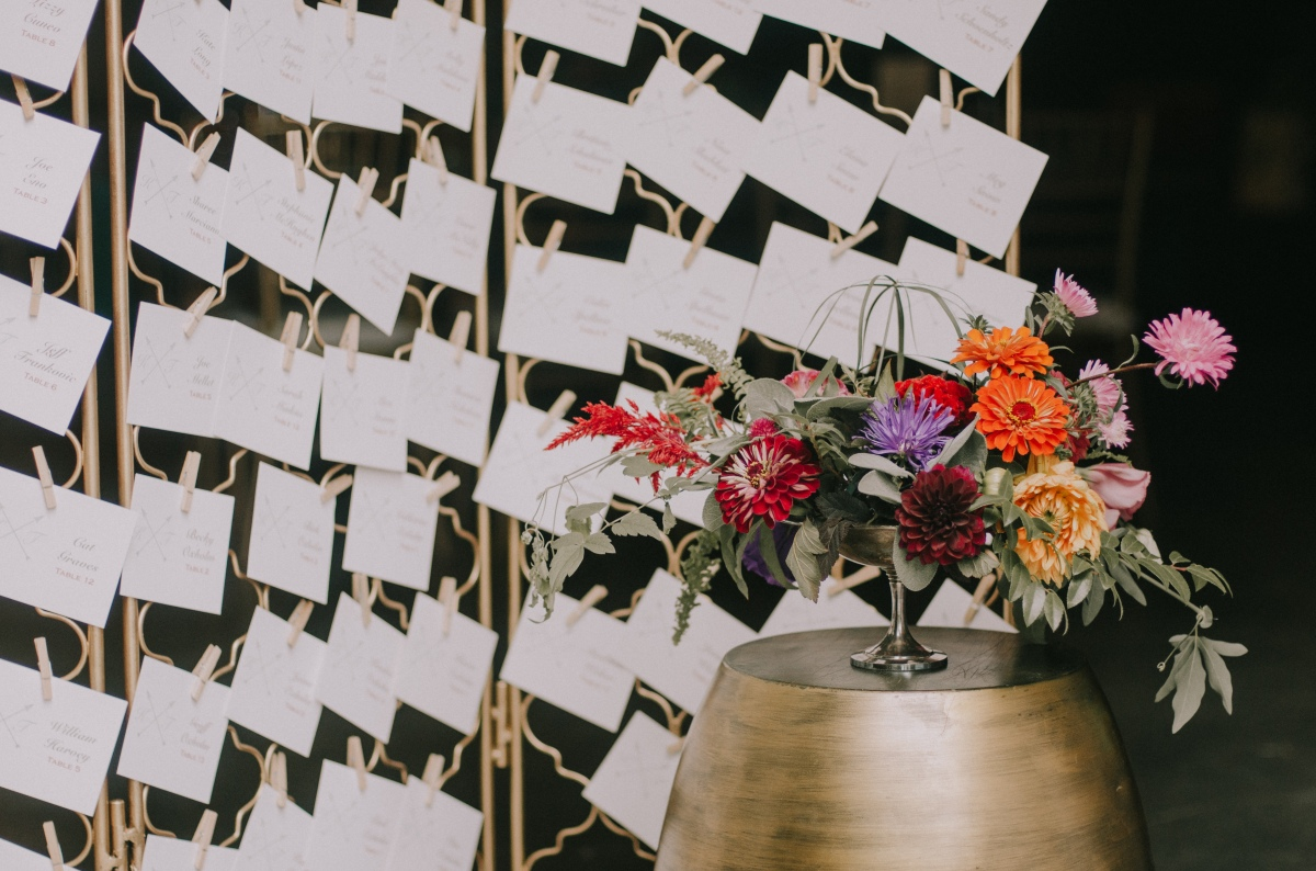 kingsley-pines-wedding-escort-card-display