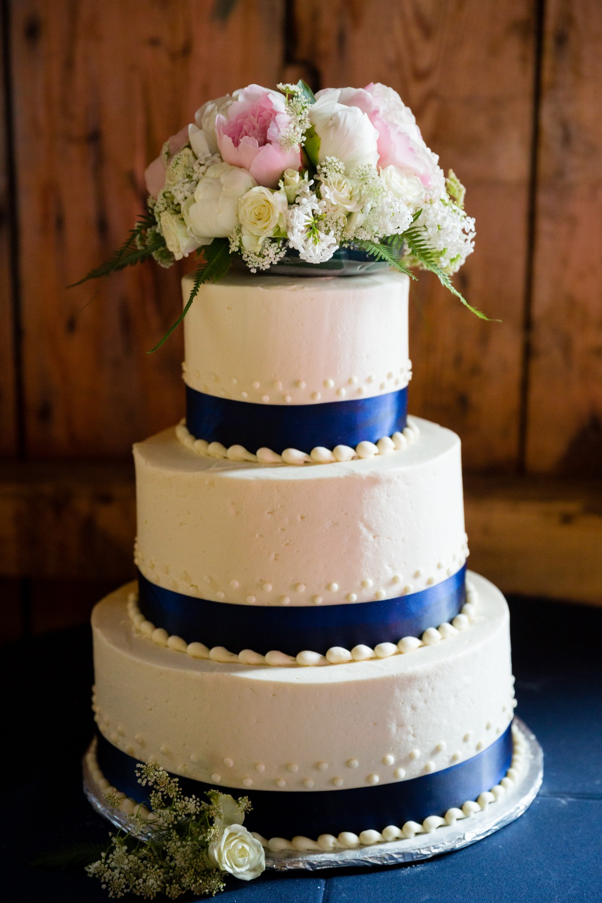 flanagan-farm-wedding-cake