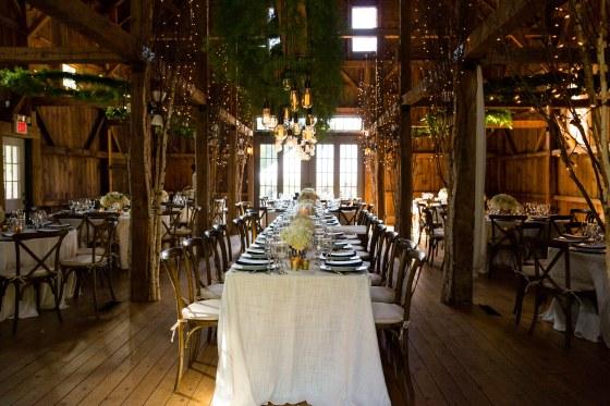 flanagan-farm-wedding-reception-decor