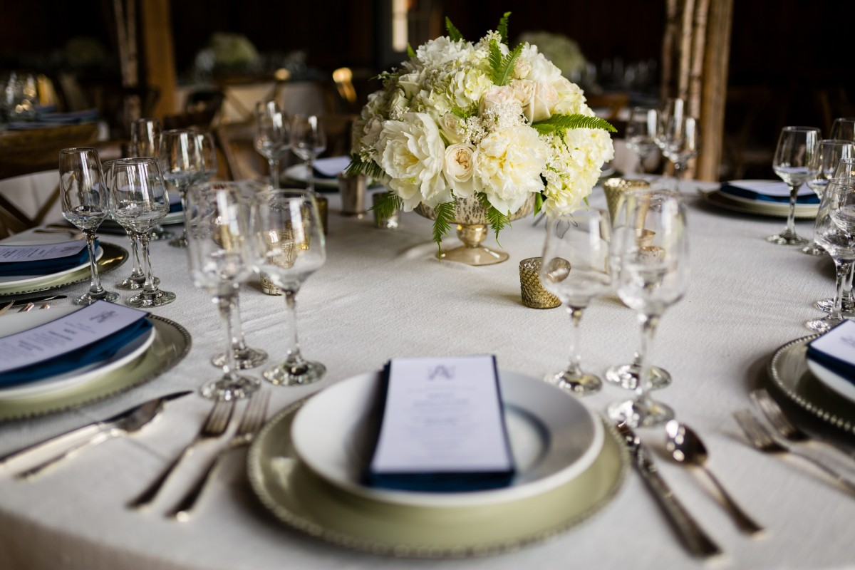flanagan-farm-wedding-tablescape-details