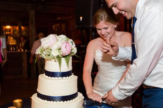 Flanagan Farm Wedding Cake Cutting