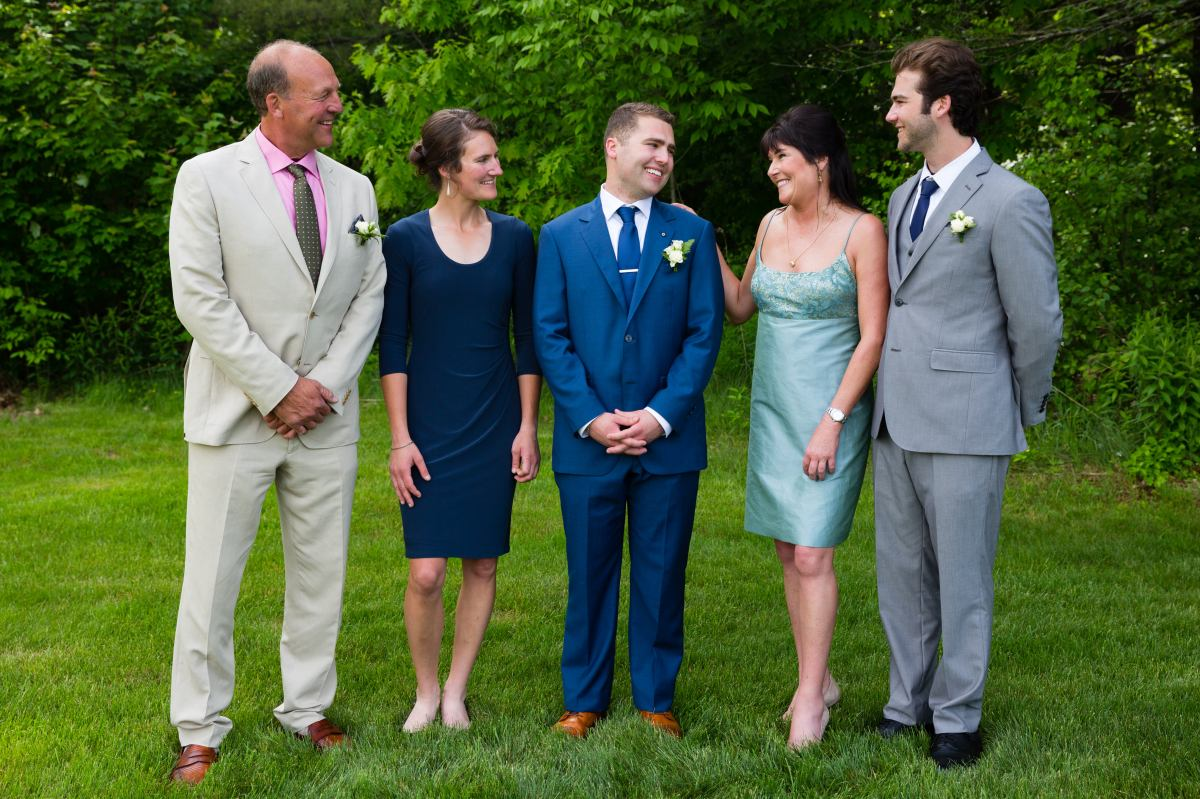flanagan-farm-wedding-family-portrait