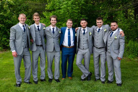 flanagan-farm-wedding-groomsmen-portrait