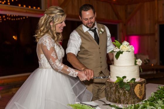 Granite Ridge Wedding Cake Cutting